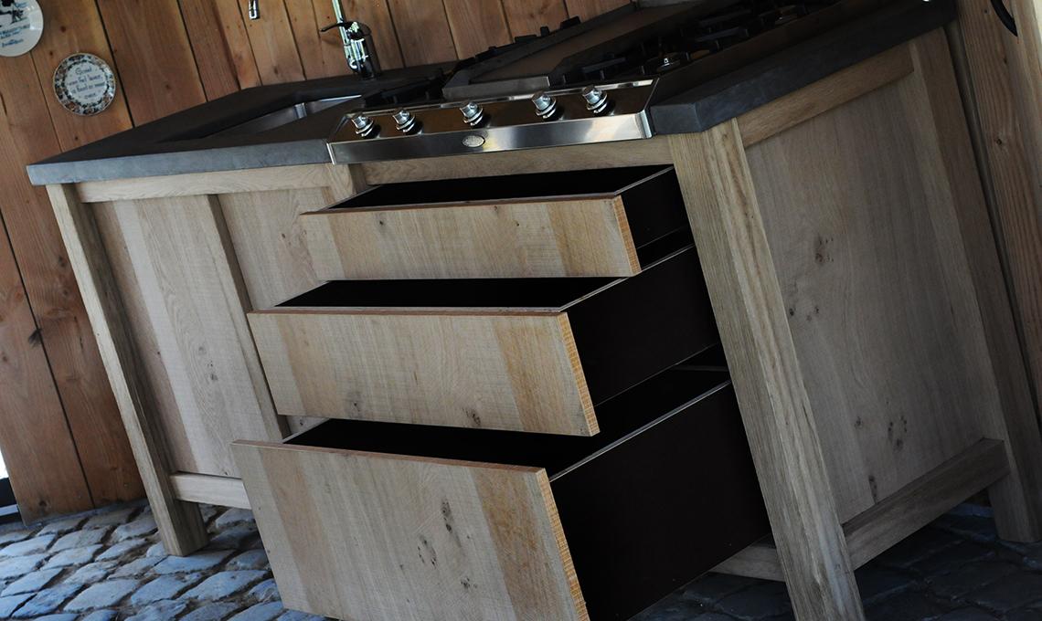 Op zoek naar een eiken houten buitenkeuken? re new